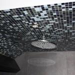 Douche avec plafond habillé en mosaïque Nantes