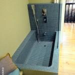 Salle de bain baignoire sur-mesure mosaïque Nantes